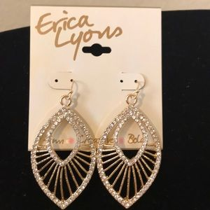 🎈💐💐🎈NWT Erica Lyons earrings. SOLD SOLD